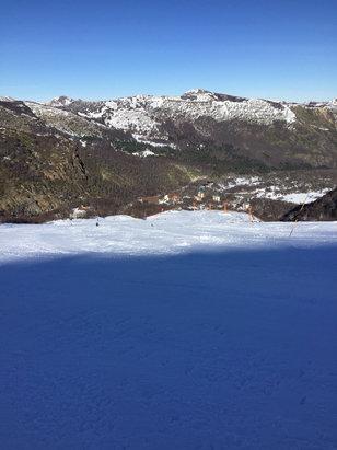 Nevados de Chillan - Algumas pistas abertas. Pouca neve em algumas pistas.  - ©alexsa