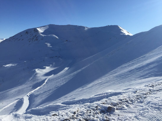Mt. Hutt Ski Area - Very icy in the shade. Good in the morning. Worth a go  - ©Justin's iPhone