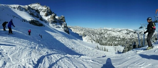 Squaw Valley - Alpine Meadows - Beautiful day! Great way to start the season! - ©hangsta