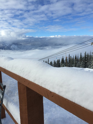 Revelstoke Mountain Resort - Plenty of new snow at the top. Runs still closed to the base and slushy to mid-gondola. Lots of decent powder in the trees in North Bowl and around the Ripper - ©Not your iphone