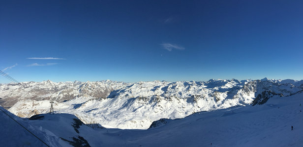 Tignes - Needs snow  Hard pack and made by machines  Fast Conditions  - ©Joey 24
