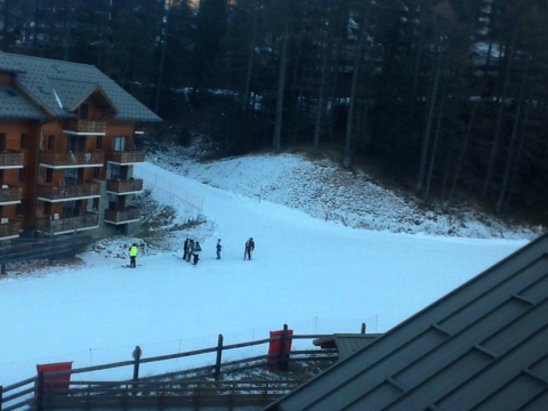 Vars - Artificial snow but some well prepared and fun slopes. - ©Alison's ipad