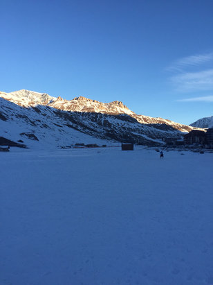 Tignes - Pistes are good in the morning, icy though  . Didn't snow on 25th and none due until early Jan. - ©alastair's iPhone (2)