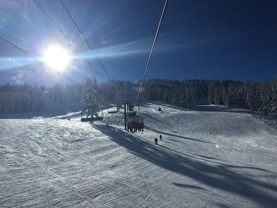 Mt. Bachelor - Blue skies.  - ©Alex's iPhone
