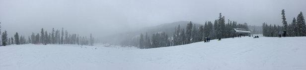Sierra-at-Tahoe - Best snowboard winter season since 2007 Thumbs up. Plenty of pow for everyone!  - ©g3rick