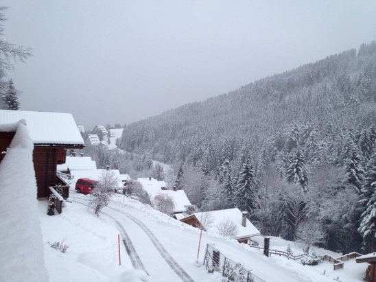 Torgon - 20cm fresh powder an more on the way   - ©Xoans iphone