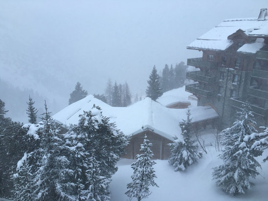 Les Arcs - Still snowing... Slopes closed all day at 1950. Jacuzzi And gym instead  - ©Black Prince's iPhone 6s