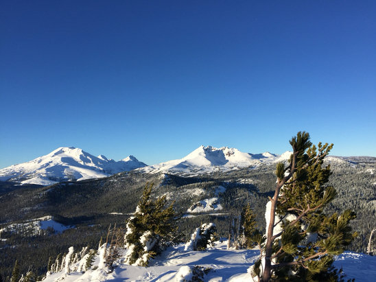 Mt. Bachelor - Firsthand Ski Report - ©Carol's phone