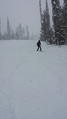 Sun Peaks - Lots of snow! Disregard the app when it says 0cm... there is over 6cm new snow!! Lots of fresh stuff! - ©alyse.kirsten