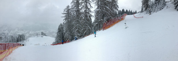 Kitzbühel - Today on the Streif, good snow.  - ©Olivier's iPad