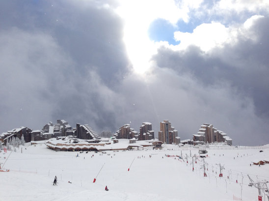 Avoriaz - Non stop snow the past 2 days.  - ©iPhone