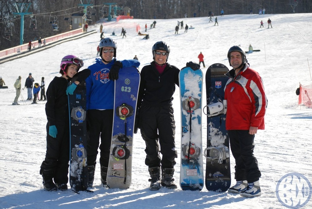 A family of snowboarders at BMBW.