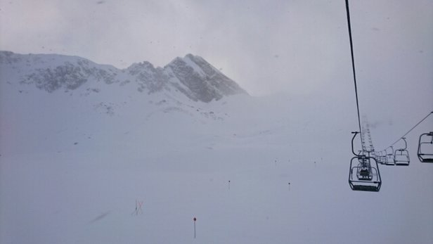 Lech Zürs am Arlberg - Visibility today is not great, but it's not a whiteout. Some snow coming down, by the end of the day I recon approx 20cm. Tomorrow should be sunny. At least there are no lift queues today!  - ©dearsina