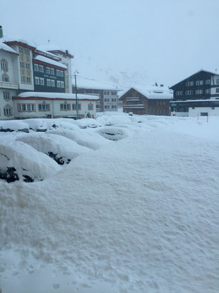 Lech Zürs am Arlberg - Looks like a powder day!!!  - ©MC