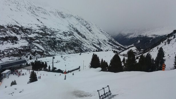 Obergurgl-Hochgurgl - View from the Nederhutte. Bad visibility today. More snow due this afternoon. - ©Deano