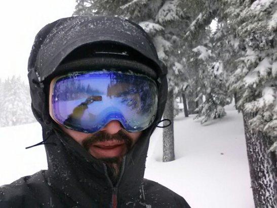 Mt. Hood Meadows - powder for days - ©skiordie