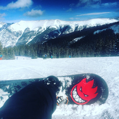 Copper Mountain Resort - Perfect day for snowboarding. Great conditions allowed me to only wear two layers. No lines no wind , barely any people!!!! - ©Marcio's iPhone