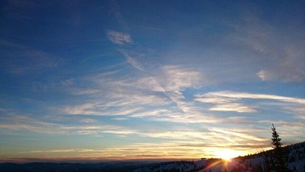 Big White - sunny days, sunset - ©elysegenet