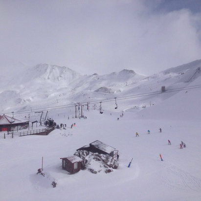 Astún - Powder. Cold and sunny.    - ©Alistair's iPhone
