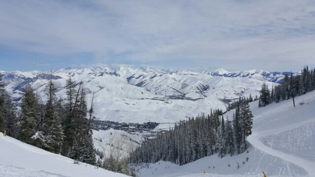 Sun Valley - awesome day. bluebird and new snow overnight. got skiied out pretty quickly though! - ©snowbunnie