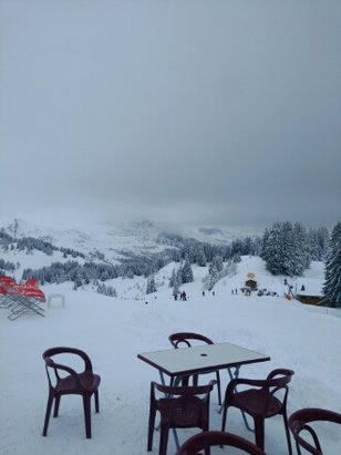 Morzine - top of la Rosa morzine / Les gets, visibility and conditions good.  - ©anonymous user