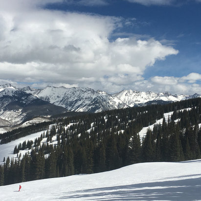 Vail - Doesn't suck....front side tons of fun! - ©Lynda's iPhone