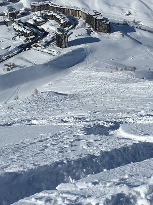 Tignes - Powderfield, what a day! 60cm of snow over past 3 days. - ©Ash's iphone