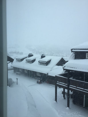 Geilo - Still snowing  - ©jog's iPhone