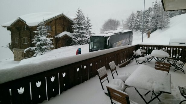 Alpe d'Huez - Snowing again this morning as we wait for our coach home. Should be great skiing next week.  - ©williams1608.dw