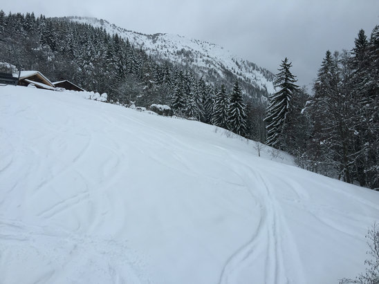 Les Houches - Firsthand Ski Report - ©Scott Cutmore's iPhone