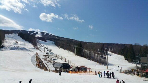 Stratton Mountain - warm.  60 deg.  not bad considering the warm weather.  couldn't groom because of warm weather. - ©pbkbear