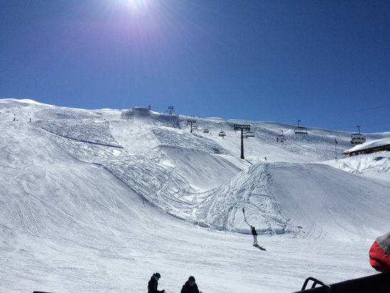 Hoch-Ybrig - I thought Tuesday was the perfect ski day but today is even better! - ©Jessica Shannon's iPhone
