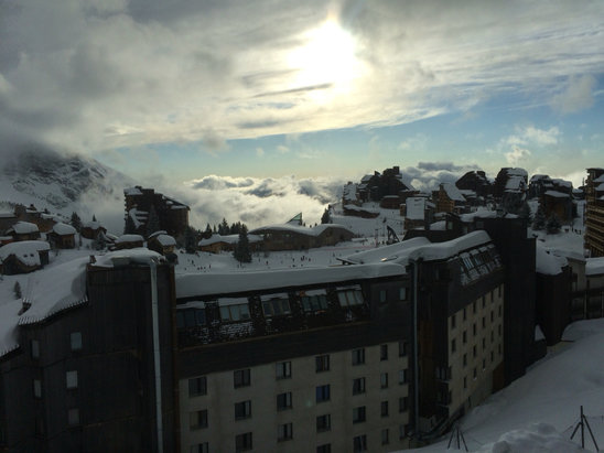 Avoriaz - Snow all day and now the sun came out - just in time for sundowners - ©Lombaard + Prinsloo