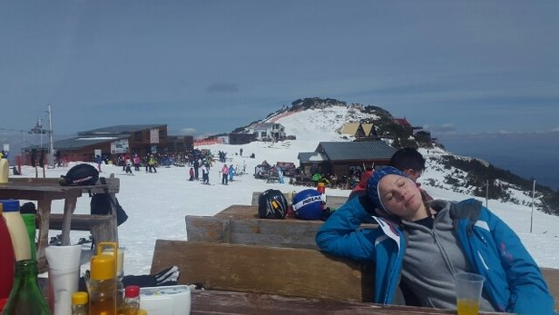 Borovets - great weathet but the snow is melting in the sun - slushy by 11am. - ©andymet87