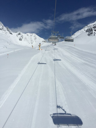 Sölden - Wow - lots of powder and it should all packed on the pistes soon.... - ©Steve's Iphone