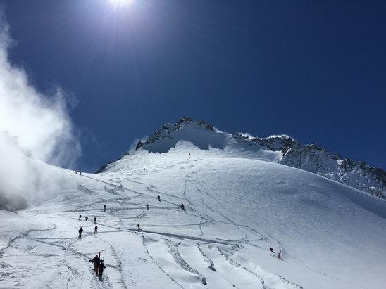 Chamonix Mont-Blanc - Winter conditions & fresh powder everywhere  - ©Peter