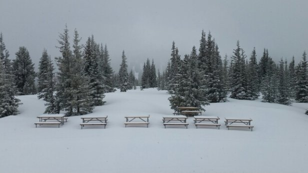 Winter Park Resort - little crusty underneath but it's fun. worth to be here. - ©sungheumbaek