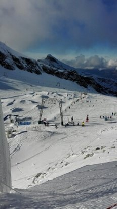 Kitzsteinhorn - Kaprun - good snow condition, no so many piste are open though. - ©anonymous