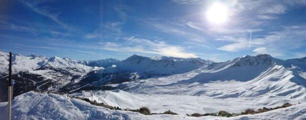 Vars - temps idéal.  soleil.  de la neige ❄ en quantité.  que demander d autre   - ©anonyme