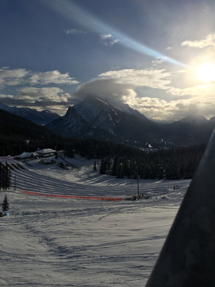 Mt. Norquay - Went on Friday 30th, it was a beautiful day, not to busy, fair morning conditions, the afternoon got a little icy.  - ©Great day