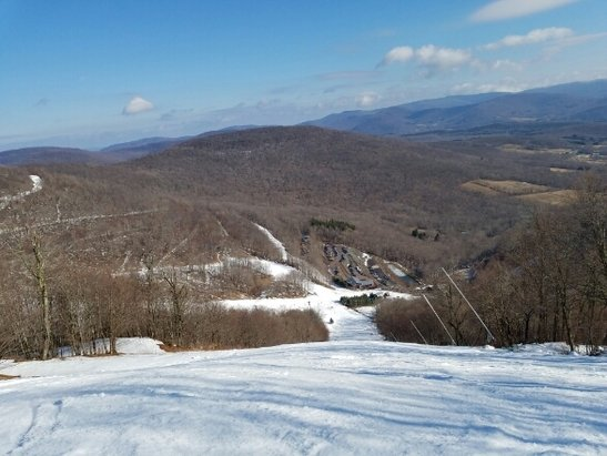 Plattekill Mountain - good spring skiing in January, good coverage on all main trails down (except for freefall and overlook)  they have a lot of base left, could do this weather for atlease 2 weeks, although a cool down and snowmaking is on deck next weekend... photo is of blockbuster - ©kenneywallace