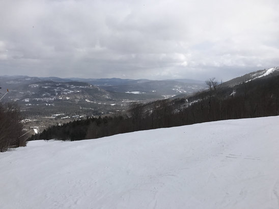 Sunday River - Mix of ice and powder. Good weather and snowed a bit today - ©Bon Jun's iPhone