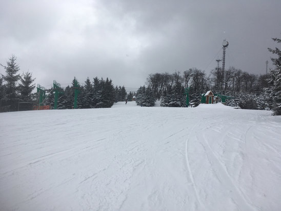 Elk Mountain Ski Resort - Conditions are great looks like they got a couple inches lastnight and it's snowing now! - ©big worm