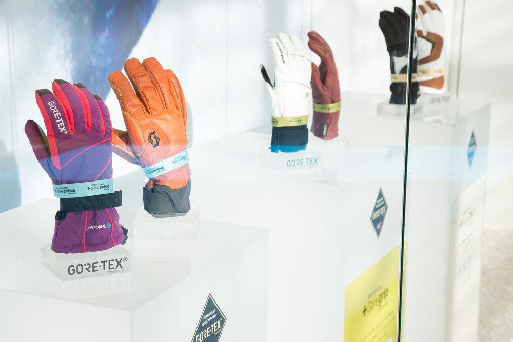 Verschiedene Wärme- und Membran-Kategorien im Bereich der Handschuhe von Gore - ©Skiinfo