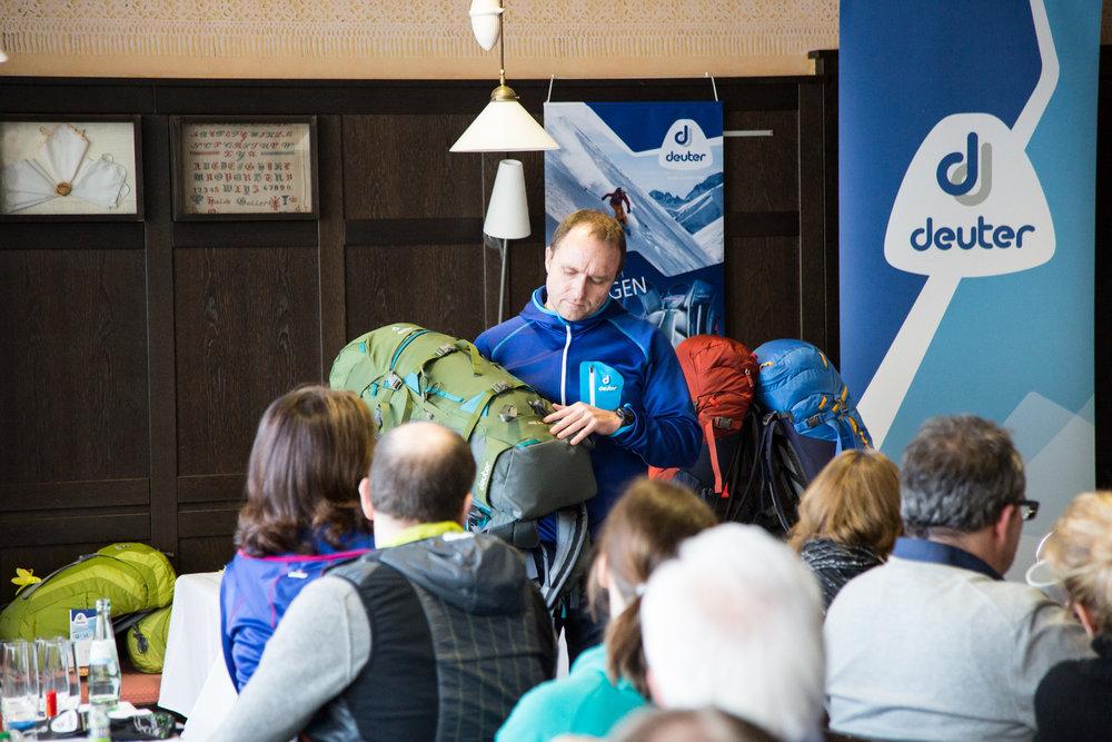 Deuter präsentierte auf der ispo die neuen Rise-Rucksäcke für Skitouren und Schneeschuhwandern - ©Skiinfo