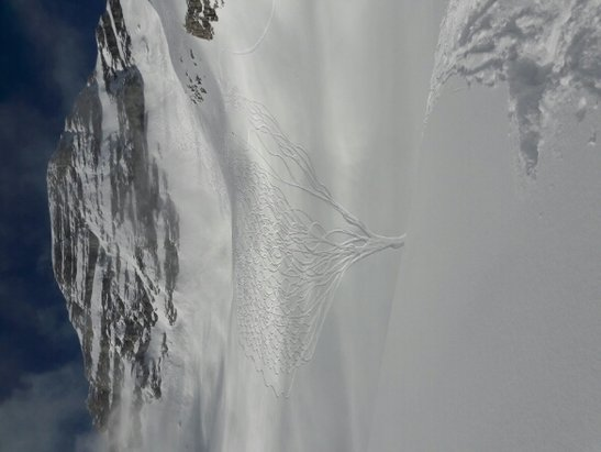 Zugspitze - Offpiste is deep powder, on piste a little bumpy. - ©anonymous