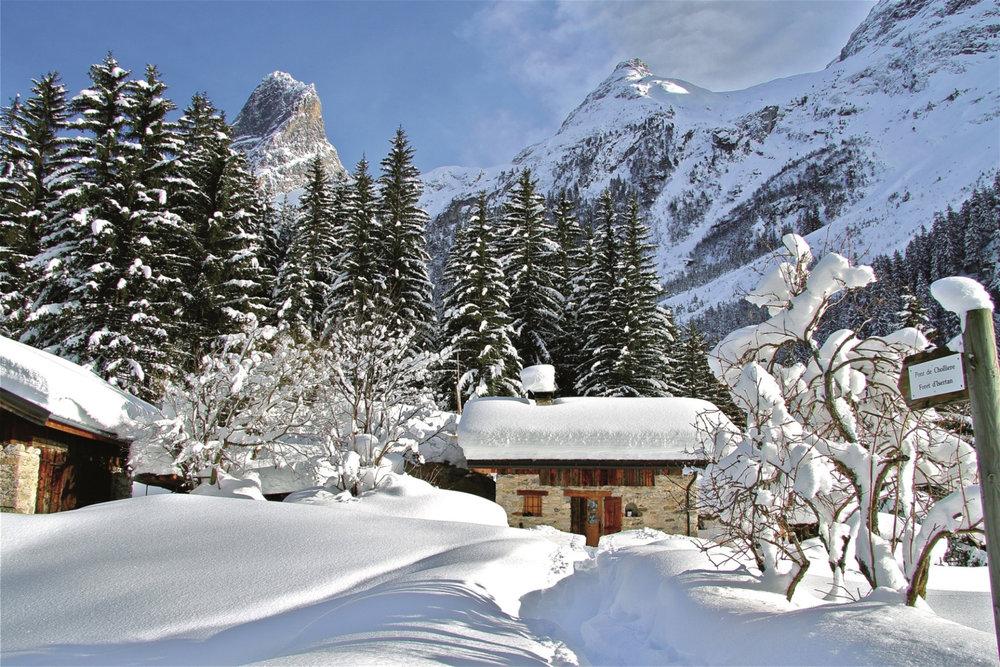 Paysage de carte postale après une chute de neige à Pralognan la Vanoise - ©Darnis / Office de tourisme de Pralognan la Vanoise