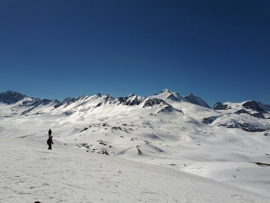 Tignes - Beautiful day and conditions  - ©skiër