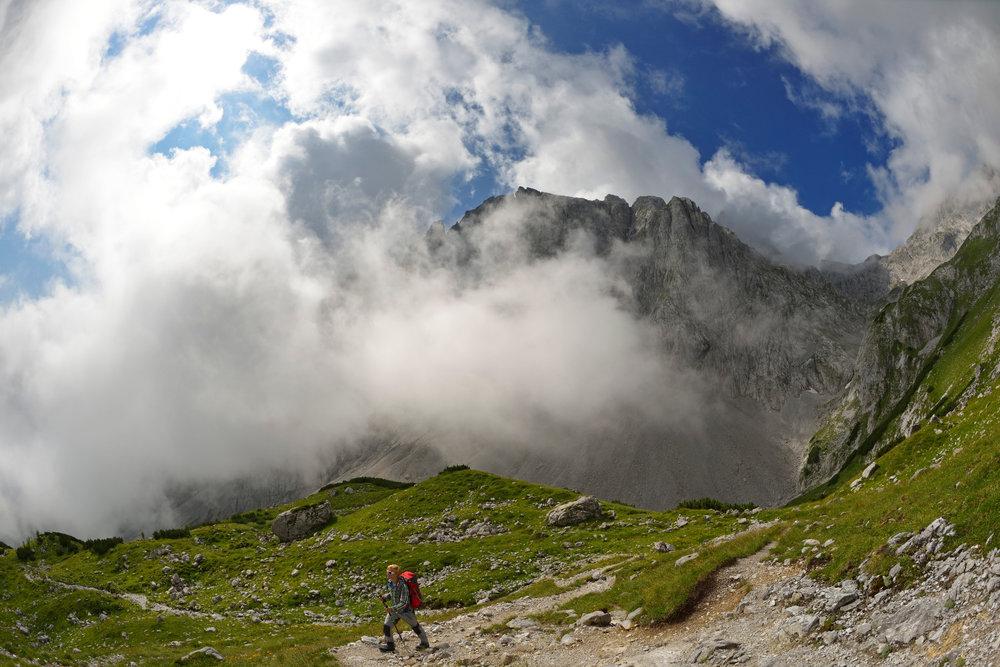 Bergsteiger beim Aufstieg vom Arthurhaus zum Hochkönig - ©Norbert Eisele-Hein