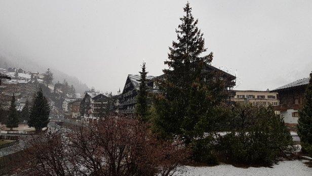 Zermatt - il a neigé cette nuit et la neige est au programme de la journée !... - ©GerardA